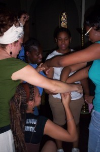 SEP participants work together to untangle the human knot!